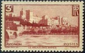 Avignon chateau des papes et le pont Benazet