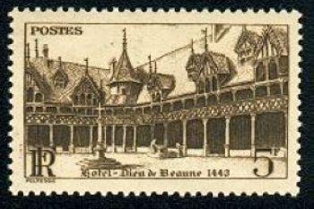 Hotel Dieu de Beaune cour intérieure
