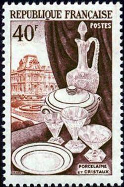 Porcelaine cristaux et le Louvre