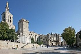 Avignon, chateau des Papes et le pont Benazet